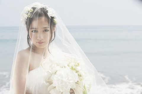 news_header_rev_hashimotoanna_photobook