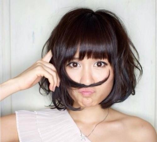 髪でお茶目をする前田敦子