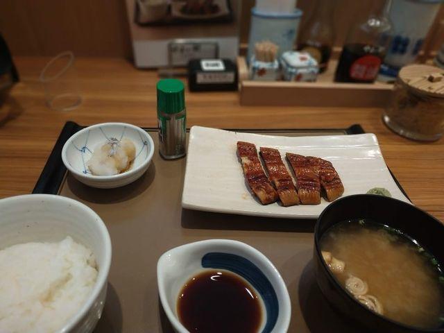 【朗報】やよい軒なら1280円で美味しいうなぎが食べられます!←しかもご飯おかわり自由らしいぞ!!!!!